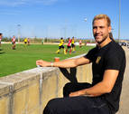 Borja Ekiza vuelve a disfrutar del fútbol en Larraga