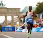 Bekele gana el maratón de Berlín y queda a 2 segundos del récord de Kipchoge