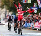 Pedersen se impone en el caos de Yorkshire y sucede a Valverde como campeón del mundo