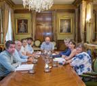 El derecho a la vivienda marca el encuentro de Aierdi con representantes de las PAH