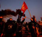 Protesta de los CDR ante el cuartel de la Guardia Civil de Girona
