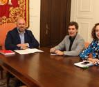 Santos y Arasti se reúnen para tratar políticas de inmigración en Navarra