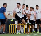 El Valencia recibe al Ajax con el objetivo de ganar y situarse líder en solitario
