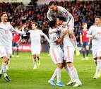 Un penalti en el descuento evita que España logre ya la clasificación para la Eurocopa