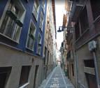 Desalojadas tres viviendas en el Casco Viejo de Pamplona tras caerse un falso techo