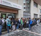 Colas para participar en la Cabalgata de Pamplona