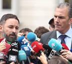 Abascal acusa a Sánchez de