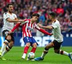 El Atlético aumenta sus dudas contra un Valencia también ramplón