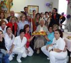 La cirbonera Vicenta Chivite celebra su cumpleaños número 104