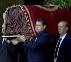 Los restos de Franco dejan el Valle de los Caídos acompañados sólo por su familia y varios nostálgicos