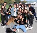 Los estudiantes disfrutan de la Carpa Universitaria de otoño en Pamplona