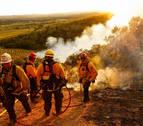 Cientos de desalojados por el peligroso avance de los incendios en California