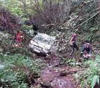 Rescatado el desaparecido en Aizarotz, tras caer con su coche en un riachuelo
