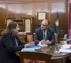 Maya recibe a la representante de UNICEF en El Salvador y a la directora en Navarra