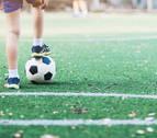 Una norma de la FIFA paraliza la licencia de 250 menores cada temporada en Navarra