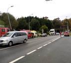 Un heridoal chocar un coche y un camión en la N-121-A en Bera