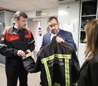 El consejero Remírez visita los parques de bomberos de Trinitarios y Cordovilla