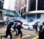 Herido de bala un manifestante por disparos de la Policía de Hong Kong