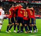 España se da un festín para asegurar el primer puesto del grupo