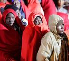Llegan a Melilla unos 80 inmigrantes rescatados por Salvamento en Chafarinas