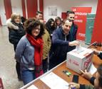 Sánchez logra un amplio respaldo de la militancia a la coalición con Podemos