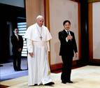 El papa Francisco se reúne en privado con el emperador Naruhito