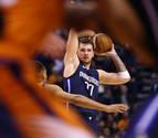Doncic iguala su mejor marca de 42 puntos ante los Suns de Ricky Rubio