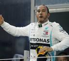 Hamilton despide el curso con triunfo y Sainz termina sexto en el Mundial