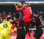 La falta de puntería condena al Atlético en el estadio de La Cerámica