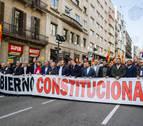 Centenares de personas se manifiestan en Barcelona en defensa de Constitución