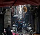 Mueren en un incendio 43 personas que dormían en una fábrica de Nueva Delhi