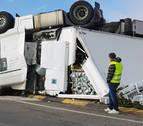 Vuelco sin heridos de un camión en Valtierra