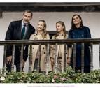 Los reyes y sus hijas felicitan la Navidad desde el pueblo ejemplar asturiano