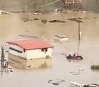 Rescatados dos vecinos de Lumbier atrapados en su casa por la riada