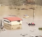 (CON VÍDEO) Dos vecinos de Lumbier quedan atrapados en su casa y así es como los rescatan