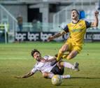 Un penalti evita el triunfo del Izarra