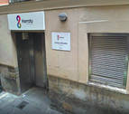 El colectivo LGTBIQ+ critica al Ayuntamiento por suspender algunos servicios de Harrotu