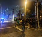 Las protestas ante el Camp Nou terminan con nueve detenidos y 60 heridos leves