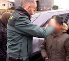 La Guardia Civil auxilia a un menor de 10 años que caminaba perdido por la A-1