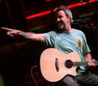 Pau Donés vuelve a casa por Navidad para cantar contra el cáncer