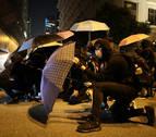 Vuelven los enfrentamientos a las calles de Hong Kong en Nochebuena