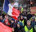 'Chalecos amarillos' y sindicalistas afrontan la cuarta semana de huelga