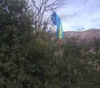 Rescatado cerca de Bera un parapentista enganchado a un árbol a 10 metros de altura