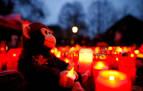 El zoo en el que murieron más de 30 animales por un incendio se llena de velas