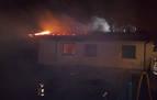 Un intoxicado por inhalación de humo en el incendio de una vivienda en Ilurdotz
