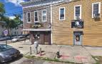 Salvan del desahucio al bar más antiguo de Nueva York
