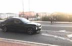 Un coche se sube a la acera y atropella a dos personas en Cuatrovientos
