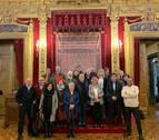 La Federación de Hogares Navarros visita el Palacio de Navarra
