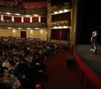 Casi 1.200 alumnos navarros acuden al Gayarre a ver la obra 'Barro'