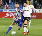 El Valencia se diluye en Vitoria ante un Alavés que sigue sumando